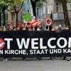 """""""Nessun potere ai dogmi"""". In migliaia a Berlino contro il Papa e il Vaticano"""