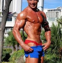 Mr Universo 2012 è di Cagliari. Mostra i muscoli: vince a Chicago