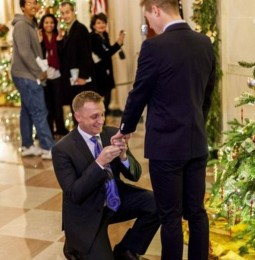 Prima proposta di matrimonio gay alla Casa Bianca