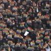 Amburgo: allo stadio con la bandiera arcobaleno