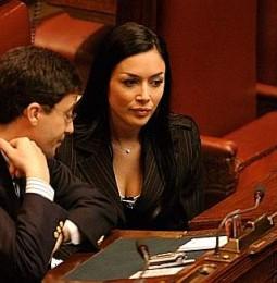 Carfagna: E' urgente una legge anti omofobia.