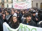 Gli studenti Medi arrivano in Piazza d'Italia