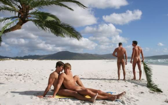 Гей пляж нудисты фото