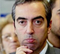 Politici sputtanati ironia rabbia e un inchiesta della for Elenco senatori italiani